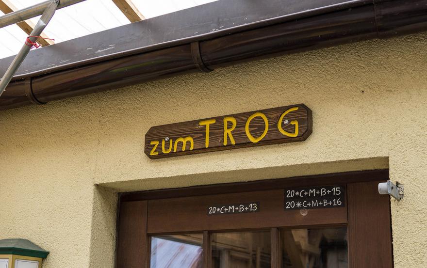 """Weg """"zum Trog"""" in der Gaststätte Alt Bonsdorf"""